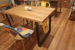 dębowy stół industrialny